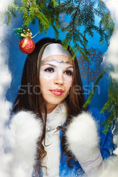 Gyönyörű nő meleg ruha fehér kezek modell szépség Stock fotó © prg0383