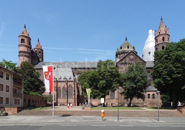 Cattedrale città costruzione muro estate bandiera Foto d'archivio © prill