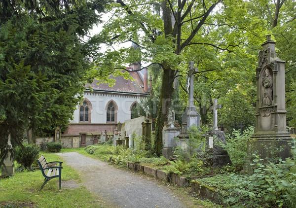 Oude kerkhof detail begraafplaats kapel stad Stockfoto © prill