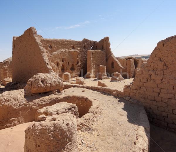 Impressie rond historisch kerkhof Egypte woestijn Stockfoto © prill