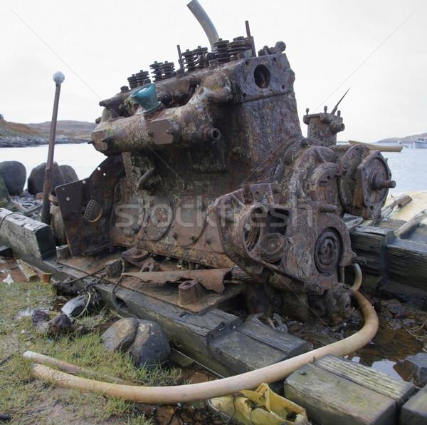 Vecchio arrugginito motore diesel marcio costa Scozia Foto d'archivio © prill