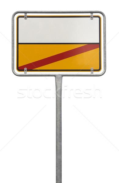Signe isolé blanche métal rouge panneau routier Photo stock © prill