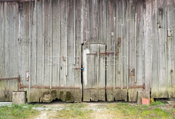 Velho celeiro porta pormenor Foto stock © prill