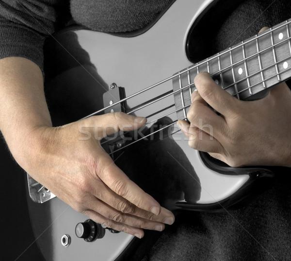 El bas gitar kadın eller detay Stok fotoğraf © prill