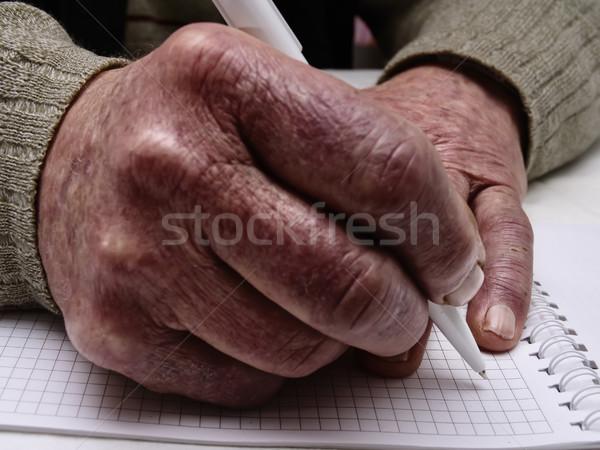 Primer plano arrugado manos edad caucásico hombre Foto stock © Pruser