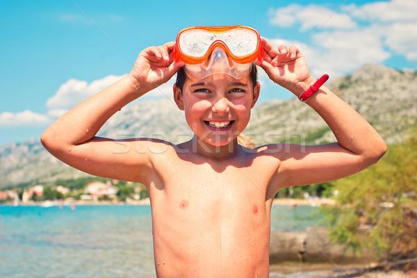 Sorridente menino mergulho máscara cabeça sorrir Foto stock © przemekklos