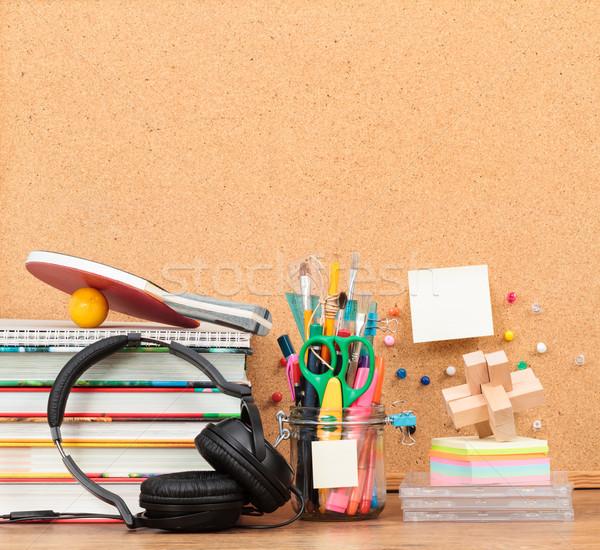 Escolas área de trabalho papel livro lápis Foto stock © przemekklos