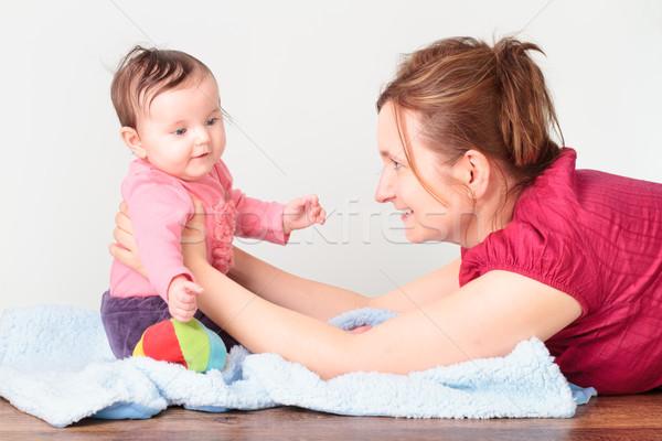 Anyu játszik kicsi lánygyermek nő padló Stock fotó © przemekklos