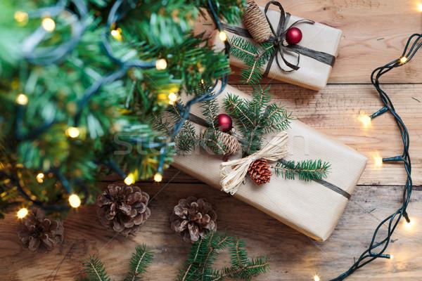 Natal presentes árvore luz bola piso Foto stock © przemekklos