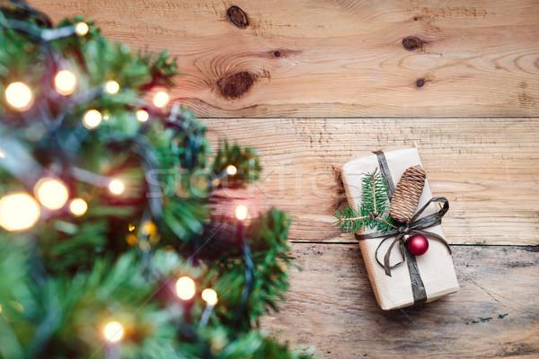Natal apresentar árvore luz bola piso Foto stock © przemekklos