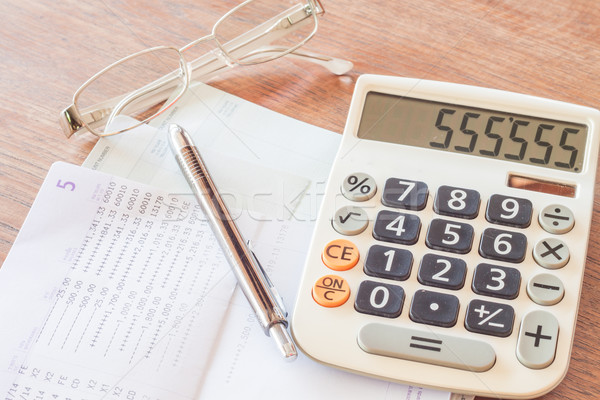 Stockfoto: Calculator · pen · bril · bank · rekening · voorraad