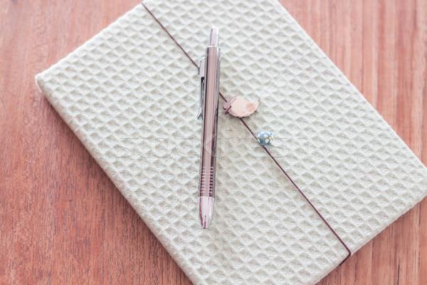 Zdjęcia stock: Zielone · okładka · notebooka · pióro · czas · Fotografia