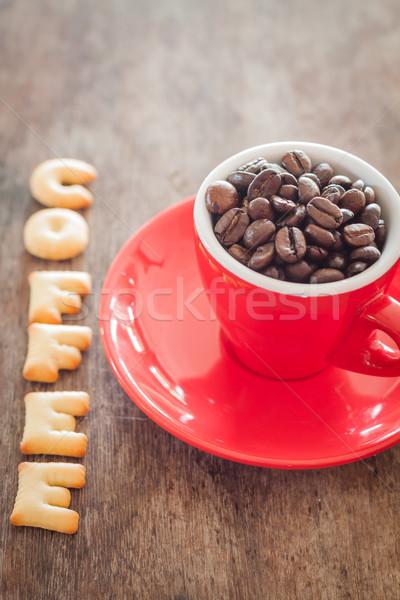Koffie alfabet biscuit Rood koffiekopje voorraad Stockfoto © punsayaporn