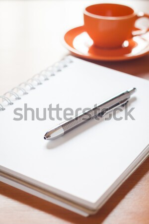 Pen Open witte notebook koffiekopje bureau Stockfoto © punsayaporn