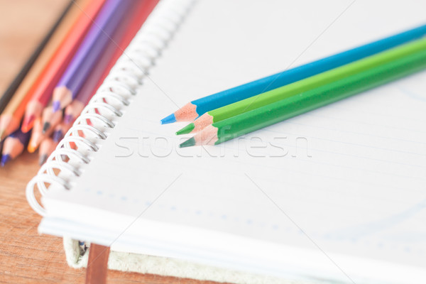 Stock fotó: Közelkép · színes · ceruzák · spirál · notebook · zöld