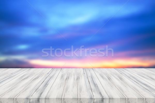 Vide blanche table en bois haut coucher du soleil produit Photo stock © punsayaporn