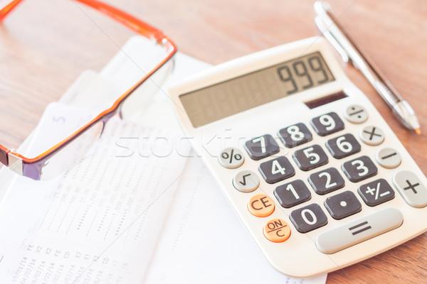 Bank rekening pen calculator bril voorraad Stockfoto © punsayaporn