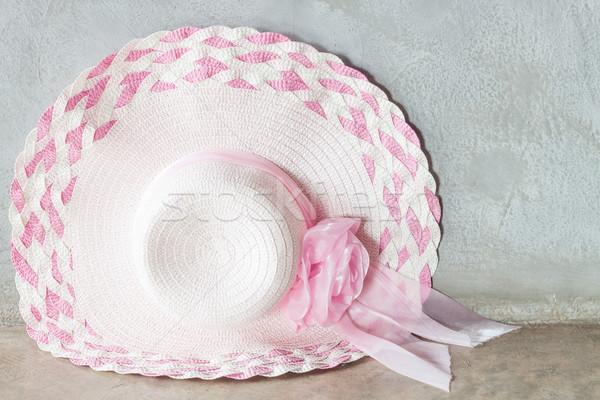 Rózsaszín kalap szalag szürke stock fotó Stock fotó © punsayaporn