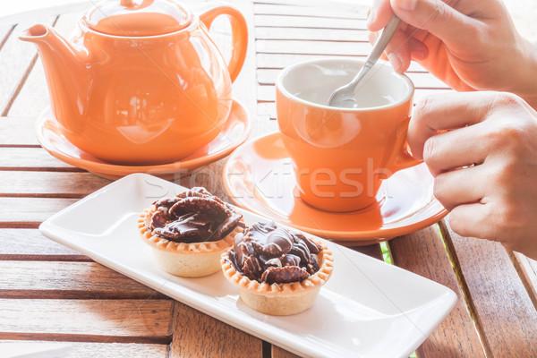 Caliente taza blanco té crujiente chocolate Foto stock © punsayaporn