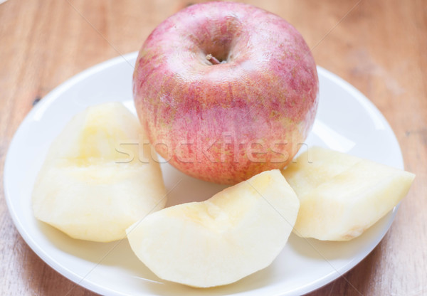 Pomme rouge pelé plat stock photo pomme Photo stock © punsayaporn