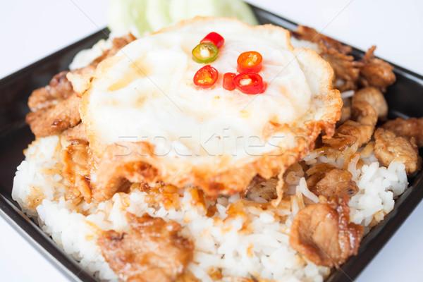 Ei varkensvlees knoflook sojasaus rijst Stockfoto © punsayaporn