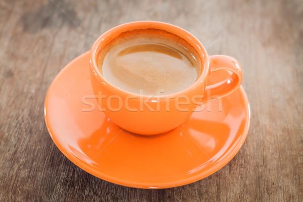 Hot koffie houten tafel voorraad foto brand Stockfoto © punsayaporn