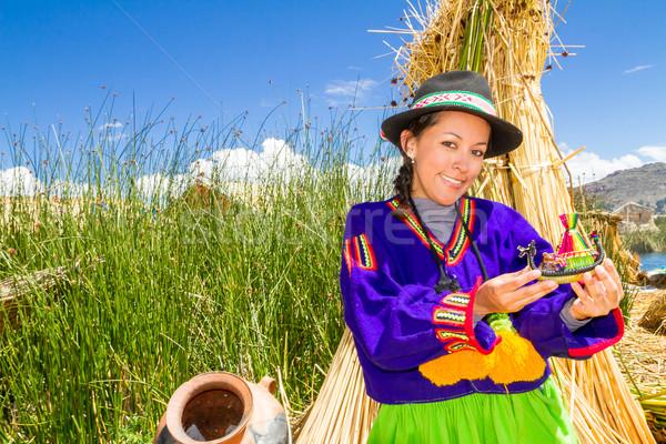 Nő hagyományos ruházat tó Peru dél-amerika Stock fotó © pxhidalgo