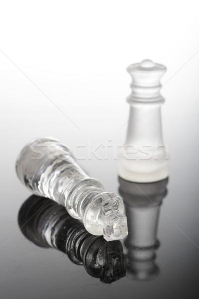 Vérifier compagnon verre pièces d'échecs reine roi Photo stock © pxhidalgo