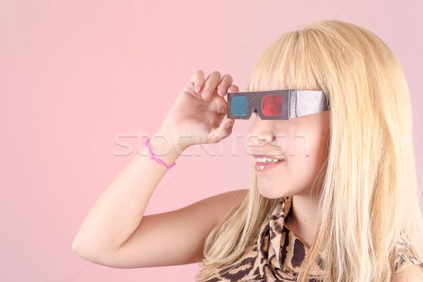 Portret jonge blonde vrouw glimlachend 3d-bril gelukkig Stockfoto © pxhidalgo