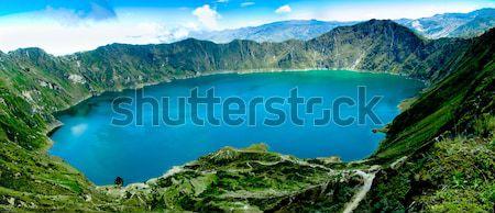Vulcão cratera lago panorama Equador praia Foto stock © pxhidalgo