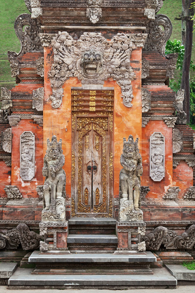Kapu templom díszek Indonézia Bali épület Stock fotó © pzaxe
