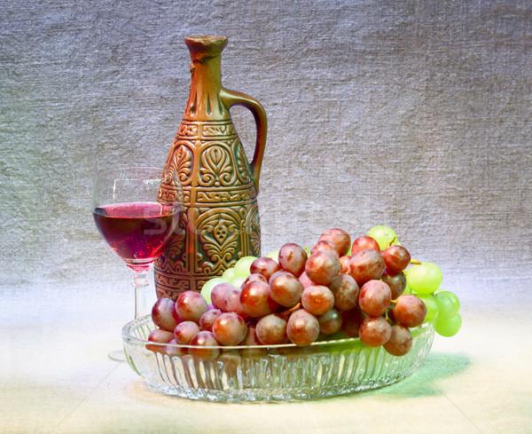 Kil şişe üzüm cam tuval şarap Stok fotoğraf © pzaxe