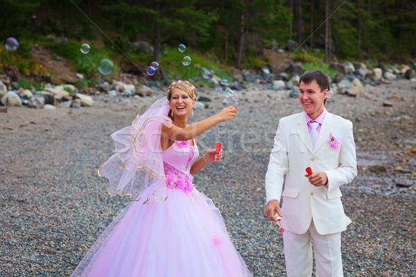 Gelin damat sabun köpüğü açık havada düğün Stok fotoğraf © pzaxe