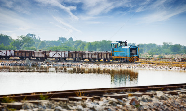 Eski küçük lokomotif tren Hindistan araba Stok fotoğraf © pzaxe