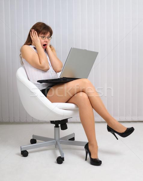 Femme horreur regarder portable écran fille Photo stock © pzaxe