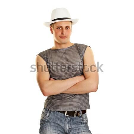 Młody człowiek tshirt dżinsy hat odizolowany biały Zdjęcia stock © pzaxe