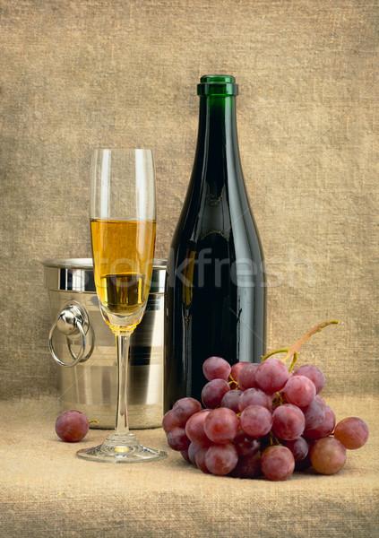 Сток-фото: шампанского · вино · виноград · красивой · зеленый · пить