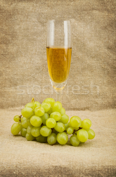 Goblet and grape Stock photo © pzaxe
