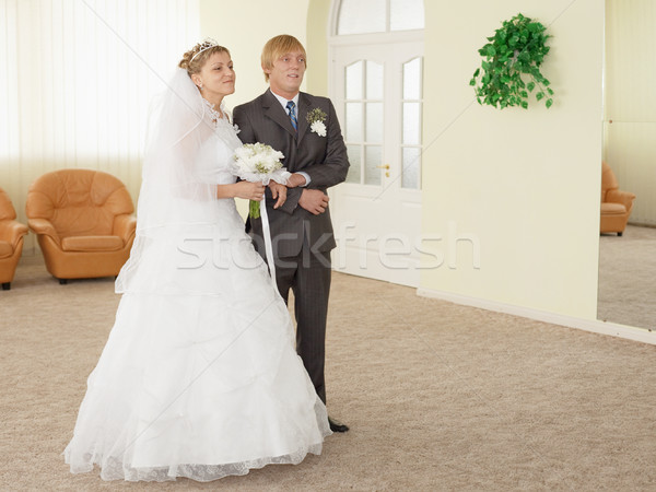Noivo noiva cerimonial ouvir menina sorrir Foto stock © pzaxe