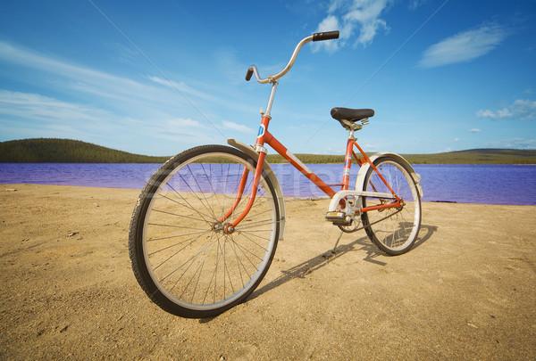 Rower lata plaży piasek na plaży wody wzgórza Zdjęcia stock © pzaxe
