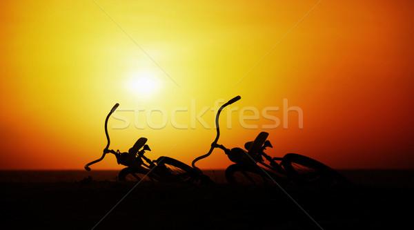 романтика любви пару Vintage Велосипеды закат Сток-фото © pzaxe