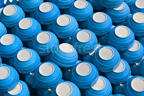 Bleu céramique plats marché contre Photo stock © pzaxe