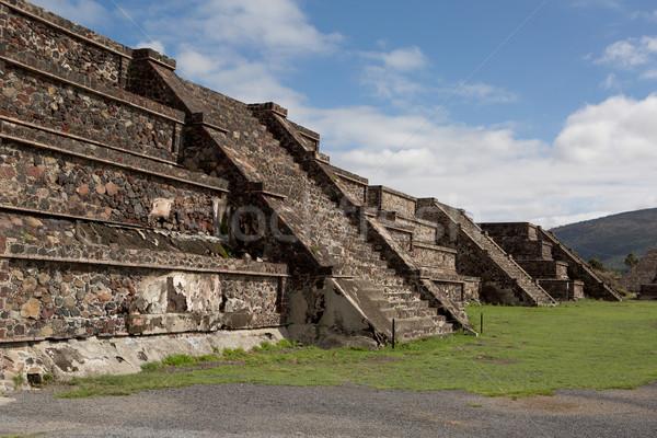 üst piramit binalar Stok fotoğraf © Quasarphoto