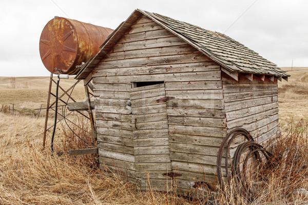 Klasszikus üzemanyag tank fából készült kapa rozsdás Stock fotó © Quasarphoto
