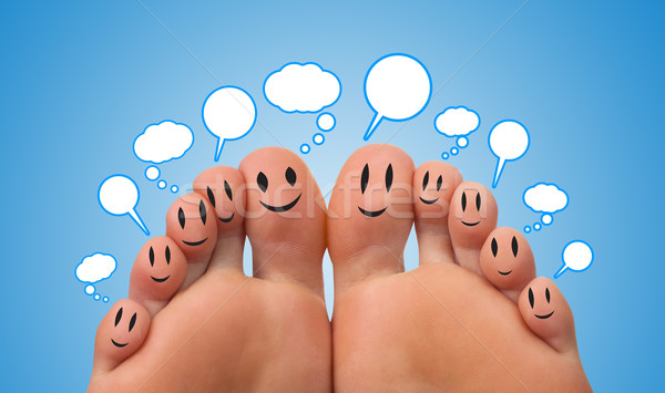 Gelukkig groep vinger smileys teken Stockfoto © ra2studio