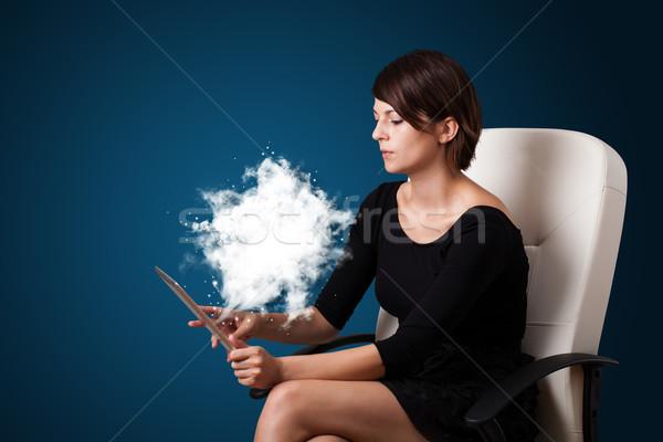 Stockfoto: Jonge · vrouw · naar · moderne · tablet · abstract · wolk