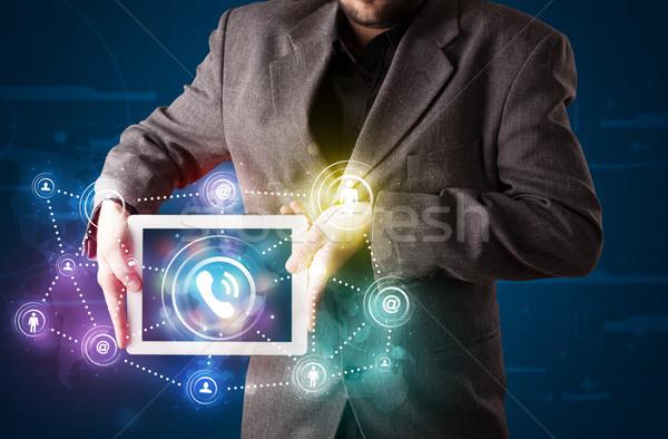 Genç işadamı sosyal ağ teknoloji Stok fotoğraf © ra2studio