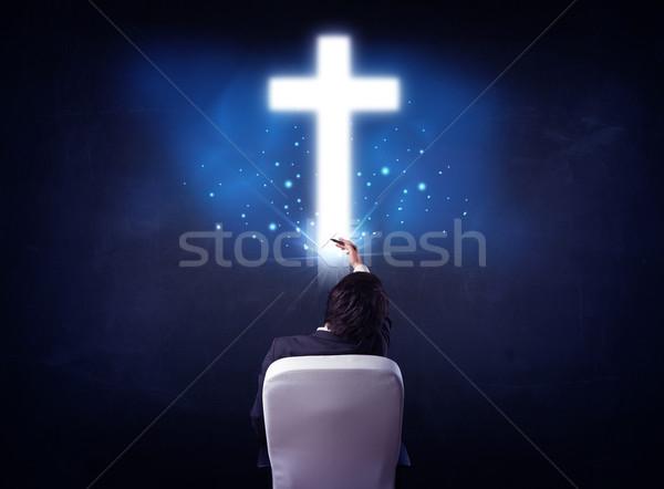 Сток-фото: бизнесмен · Председатель · крест · голову · молодые
