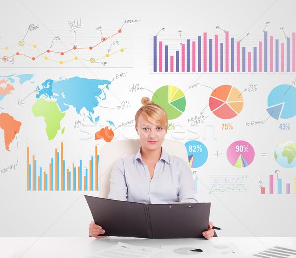 Femme d'affaires coloré graphiques graphiques argent réunion Photo stock © ra2studio