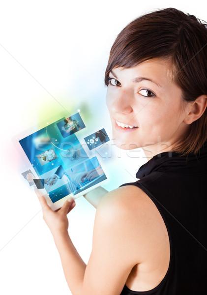 Stok fotoğraf: Genç · kadın · resimleri · modern · tablet · genç · iş · kadını